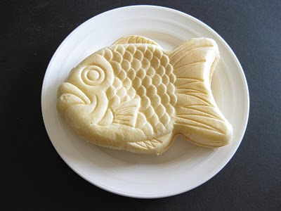 Fish shaped ice cream sandwich kirbie 39 s cravings for Fish ice cream