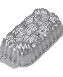 photo of a decorative pumpkin cake pan