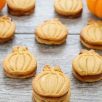 photo of pumpkin spice shortbread cookies