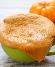 flourless-pumpkin-peanut-butter-mug-cake-2