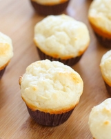 4-ingredient-eggless-yogurt-muffins-029