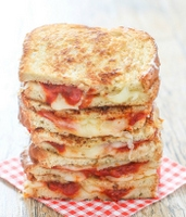 grilled-cheese-pizza-sandwich-026