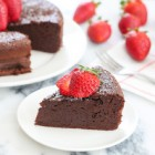 3-ingredient-flourless-chocolate-cake-029
