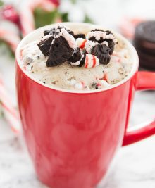 peppermint-cookies-cream-mug-cake