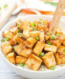 phot of a bowl of garlic tofu
