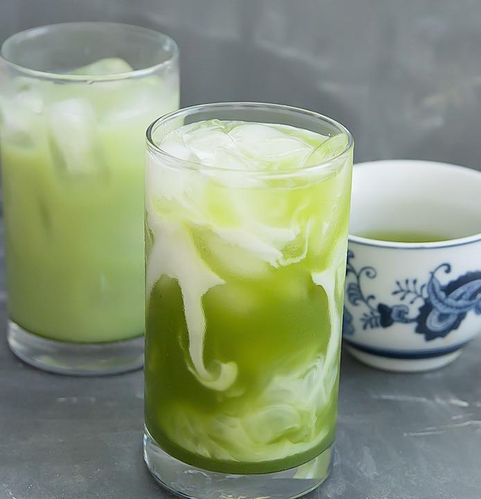 Homemade Matcha Green Tea Latte (Two Ways!) - Kirbie's Cravings