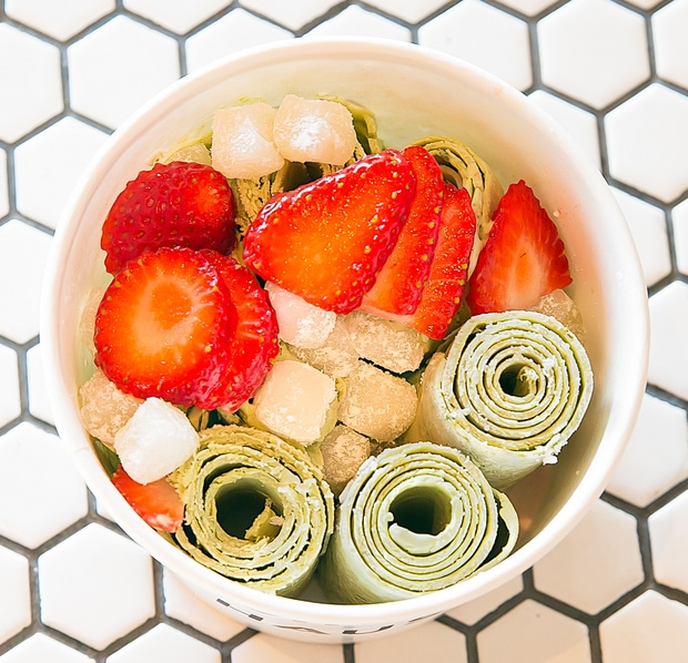 photo of Green Tea with Strawberries and Mochi