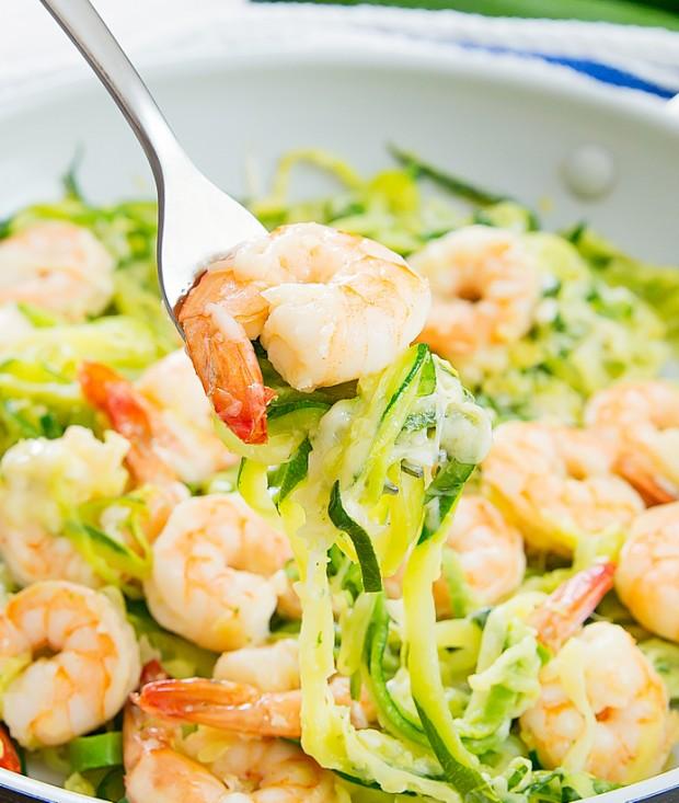 garlic-parmesan-zucchini-noodles-16