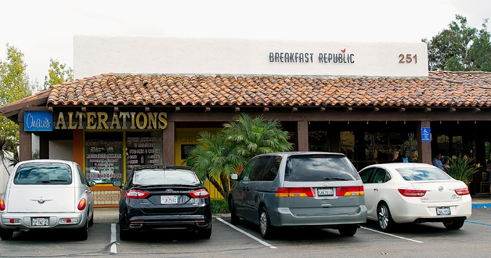 photo of the outside of Breakfast Republic in Encinitas