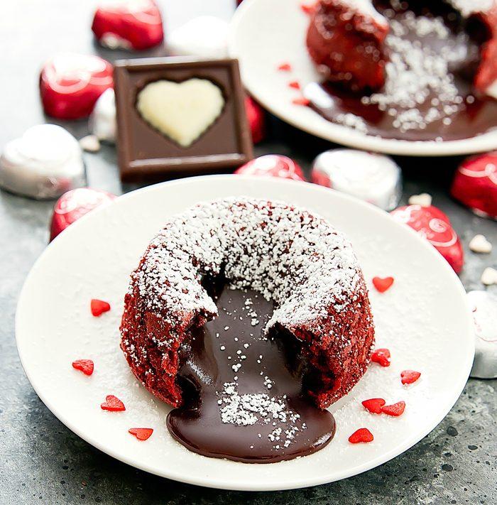 red-velvet-lava-cakes-2a
