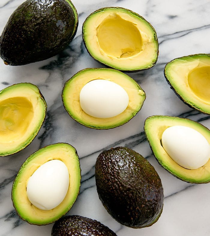 crispy-eggs-in-avocados-3