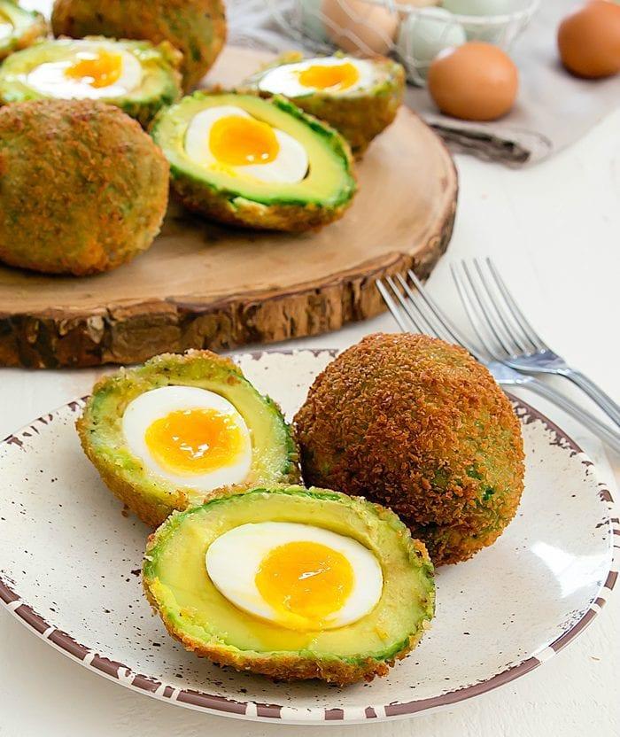 crispy-eggs-in-avocados-36b