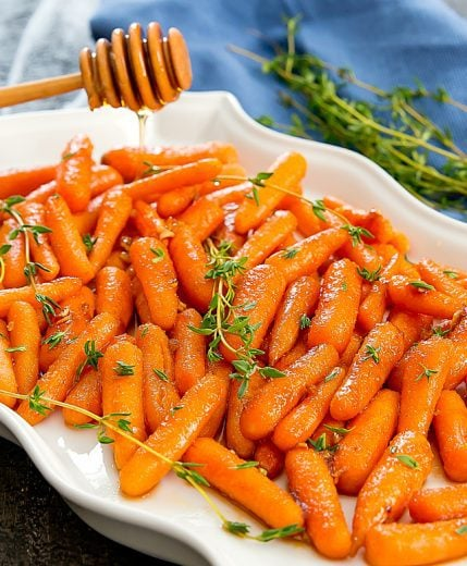 honey-garlic-roasted-carrots-13