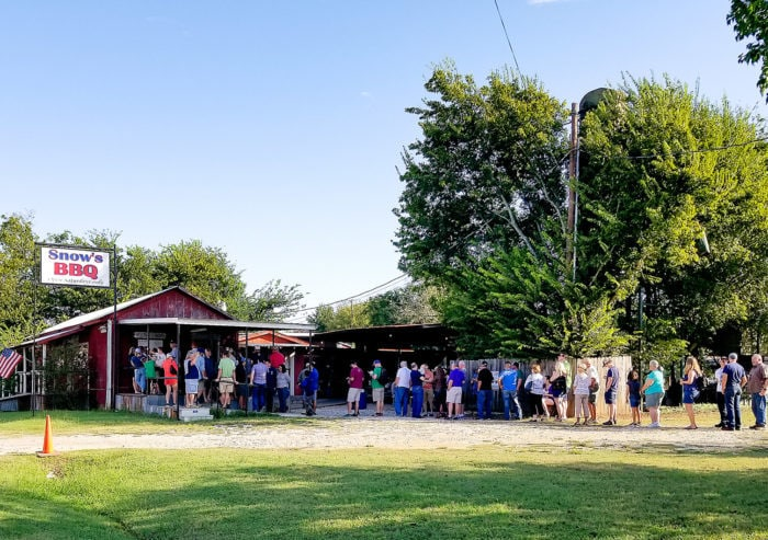 photo of the long line outside Snow's BBQ