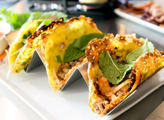 close-up photo of Bánh xèo Tacos