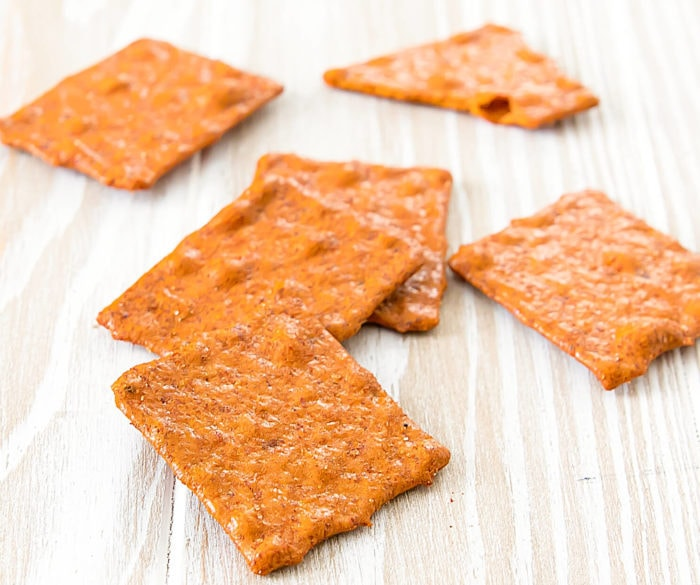 close-up photo of Creamy Tomato Soup Seasoned Crackers