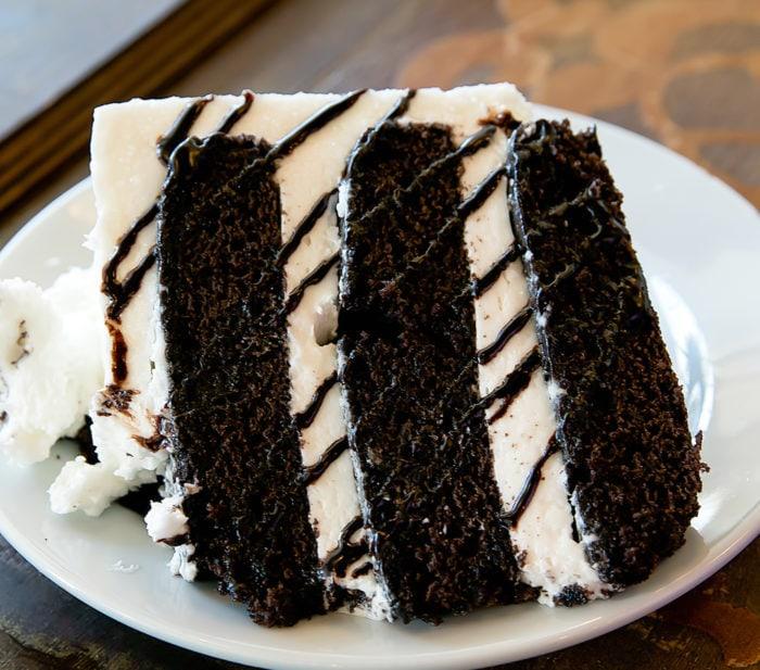 photo of tuxedo cake