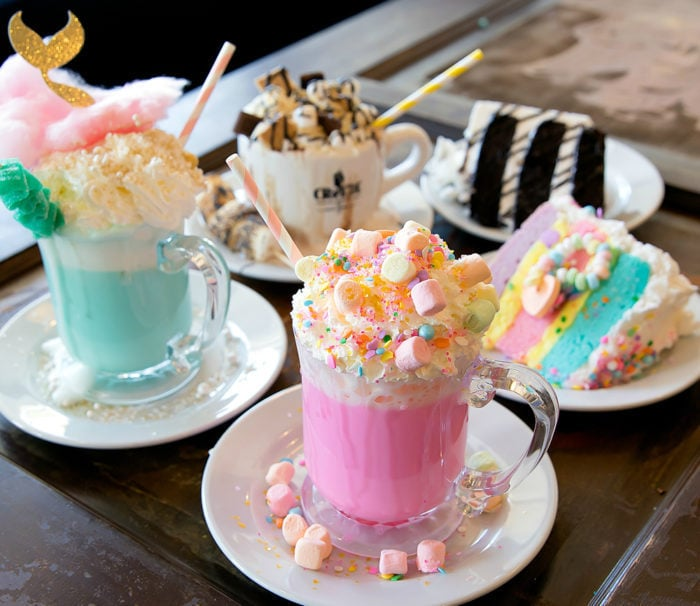 photo of drinks and desserts from Creme & Sugar