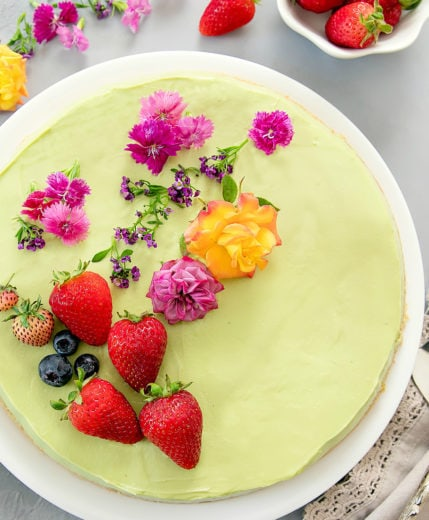 overhead photo of an avocado cheesecake