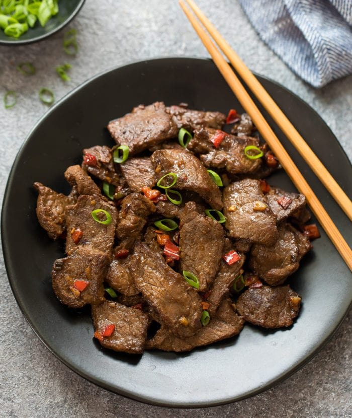 overhead photo of a plate of hunan beef