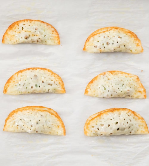 photo showing how the cheese rounds should be folded
