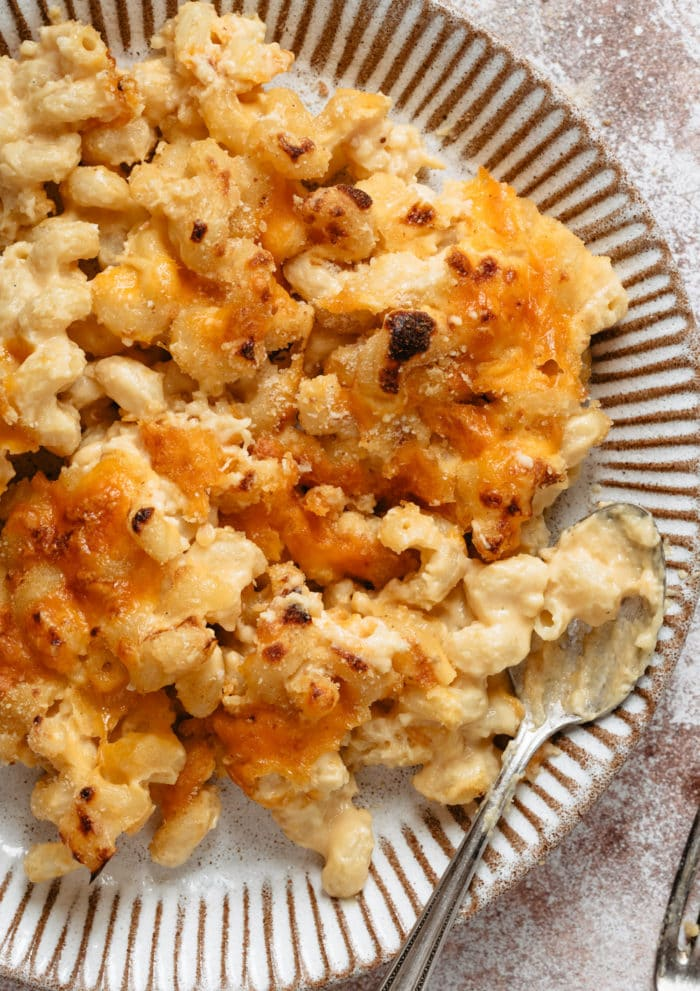 overhead photo of a plate of macaroni and cheese