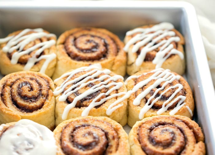 close-up photo of cinnamon rolls in a pan
