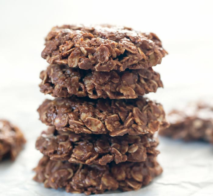 photo of a stack of five cookies