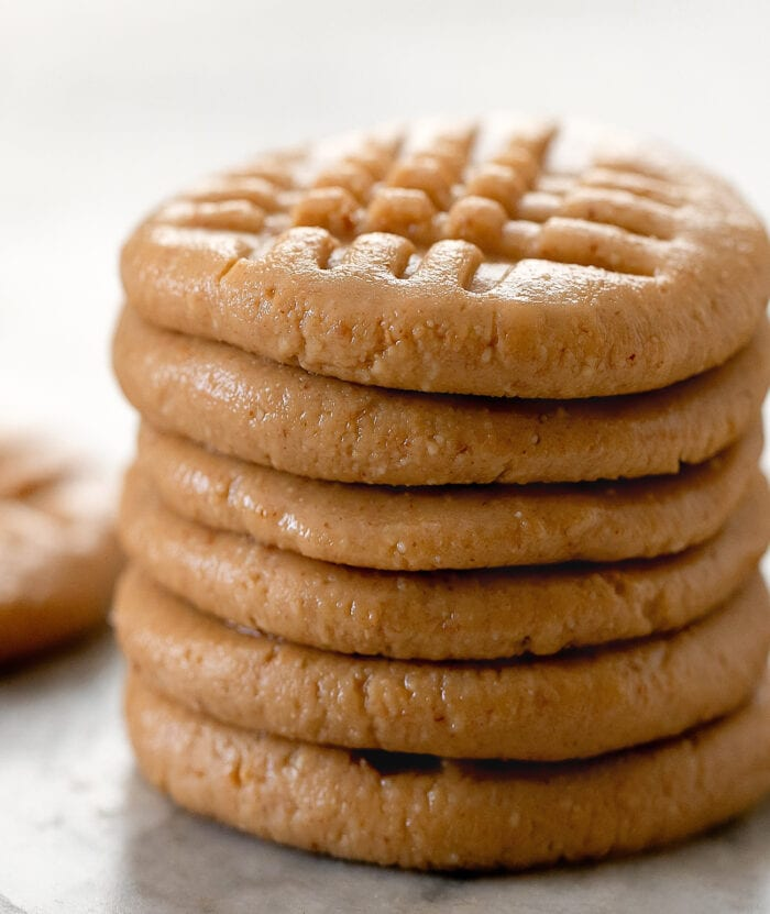 close-up photo of a stack of six cookies.